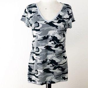 ❤️3/$20 OP Camo tee in gray & black size XL (jrs)